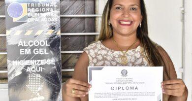 Ilane Apolinário, única representante feminina na Câmara de Vereadores de São Miguel dos Milagres: uma história da boa política que começou com seu avô.