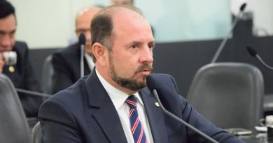 Justiça concede liminar que impede expulsão de Antônio Albuquerque do PTB